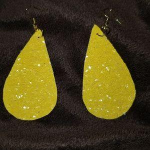Jewelry - New Yellow sparkling teardrop earings